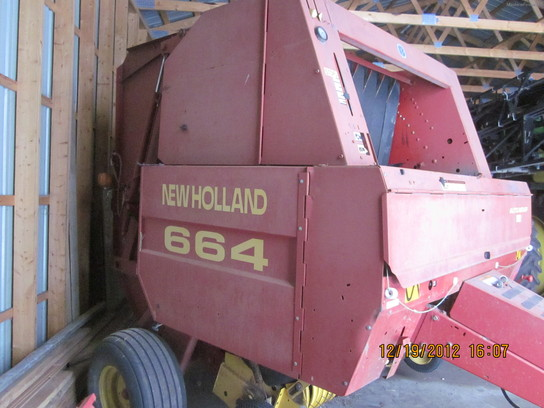 1997 New Holland 664