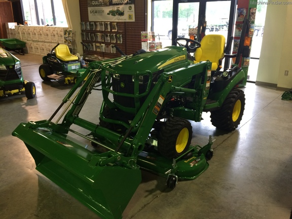 2018 John Deere 1025R w/ BELLY MOWER