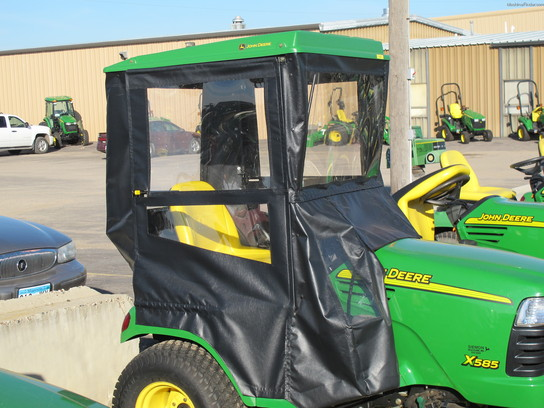 John Deere WEATHER ENCLOSURE