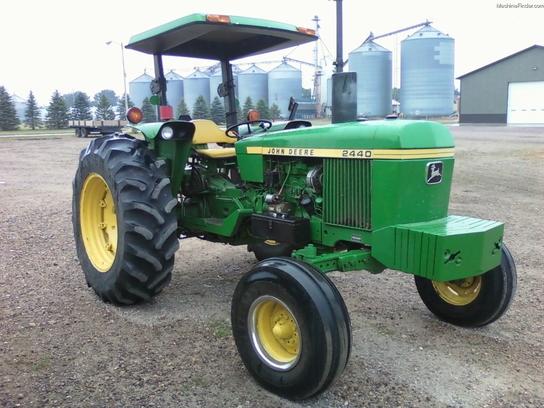 John Deere 2440 : John deere tractors utility hp