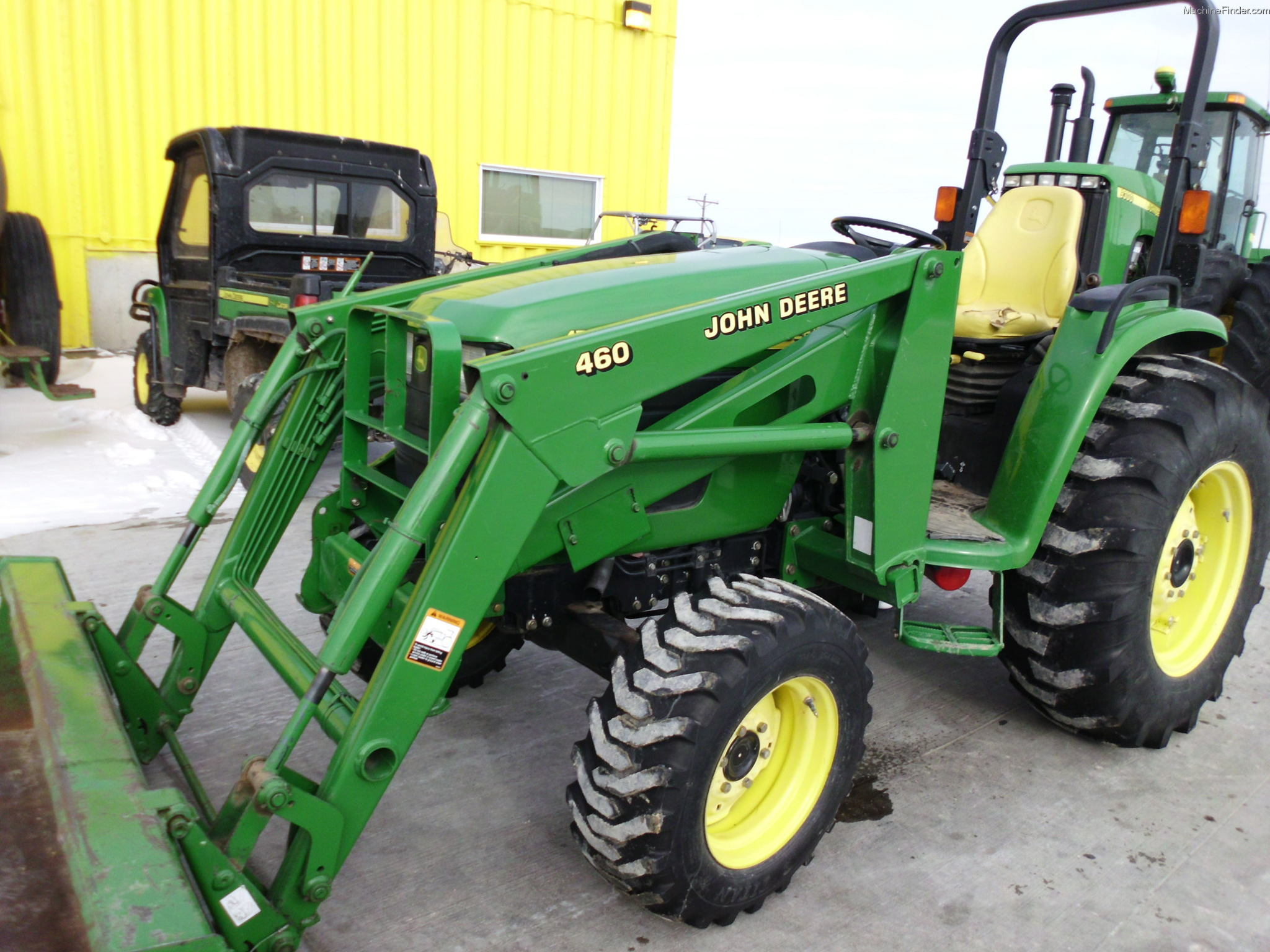 John Deere 4710 Compact Tractor : Tweet